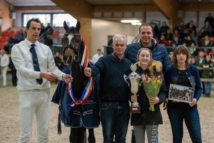 Jan Willem Sloof, Jan van Drie, Dirkjan Leeuwis en verrichtingskampioen Liandro